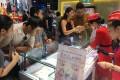 Cực nóng tại thành phố HCM:  Nhẫn cưới kim cương 1 triệu đồng
