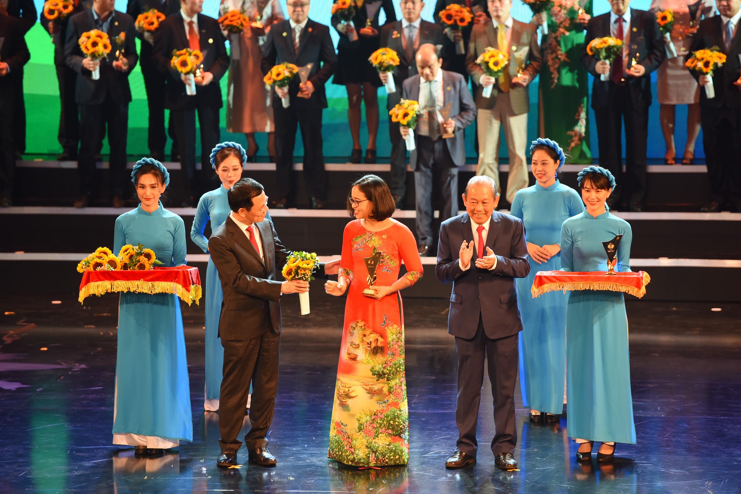 Tập đoàn DOJI đón nhận Giải thưởng Thương hiệu Quốc gia Việt Nam năm 2020